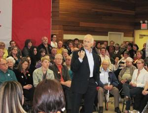 Jack Layton speaking in Thunder Bay